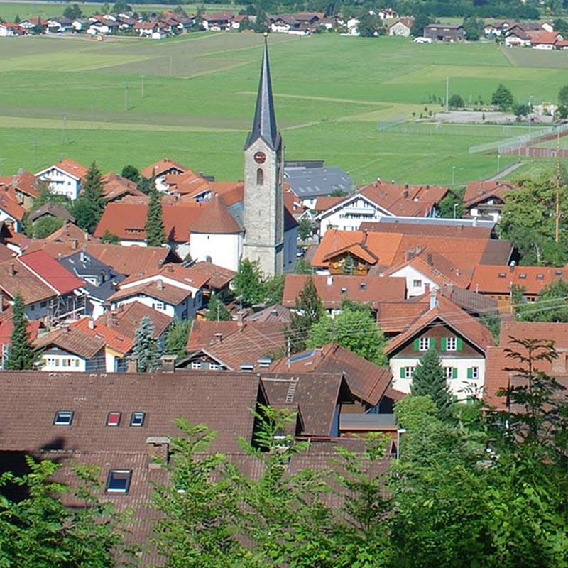 Dorfleben Kirche Burgberg im Allgäu